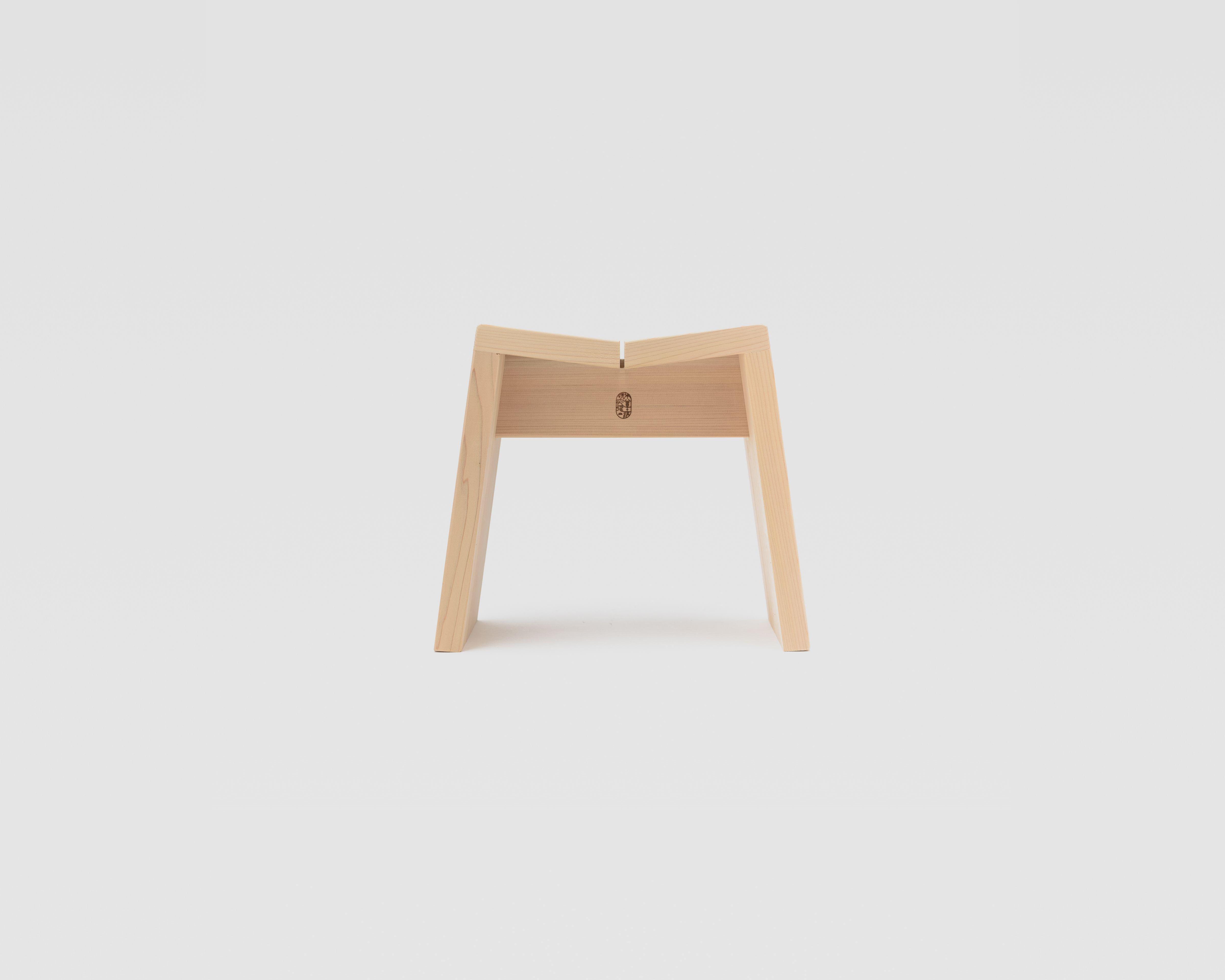 木曽のサワラでつくった風呂椅子03
