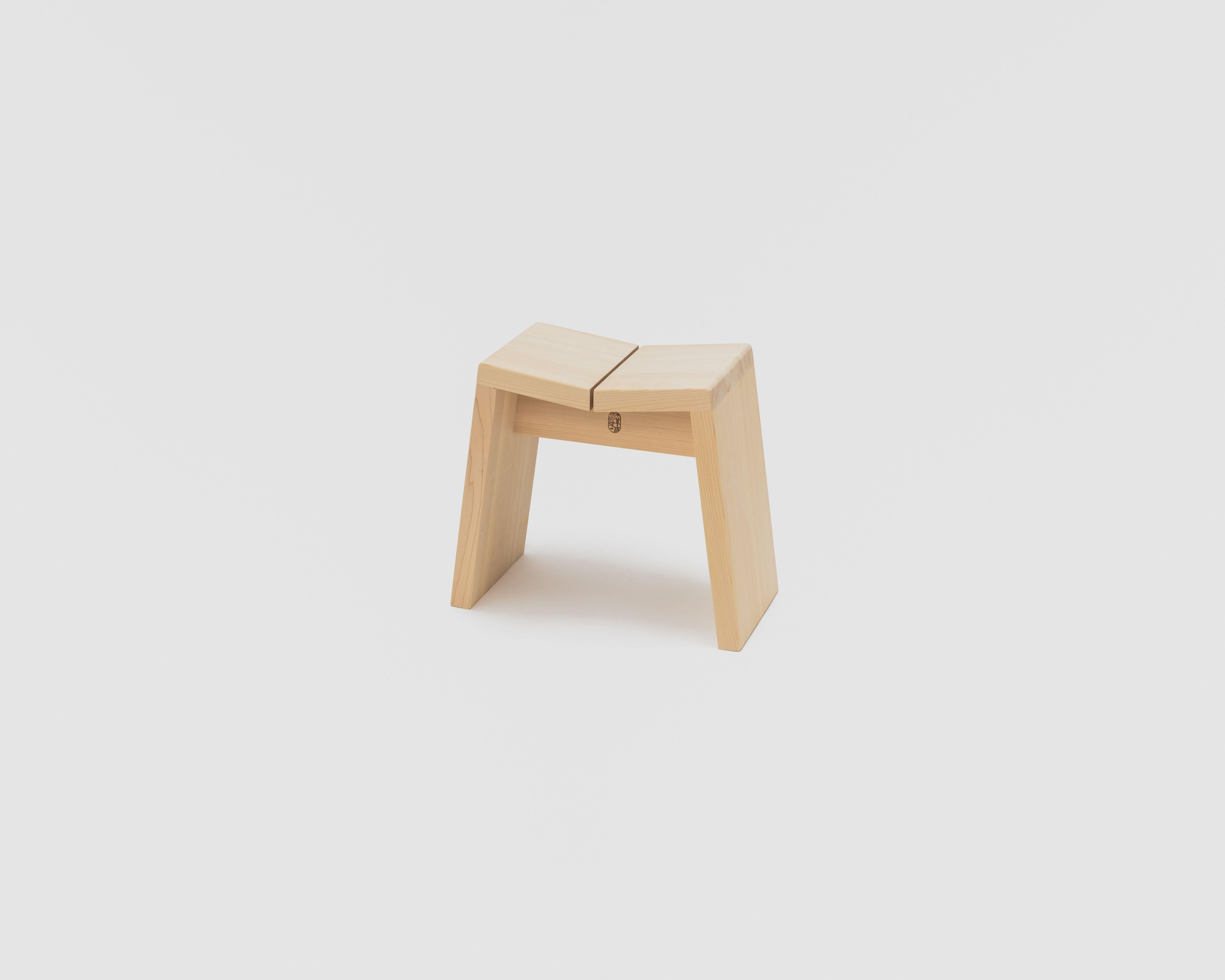 木曽のサワラでつくった風呂椅子04