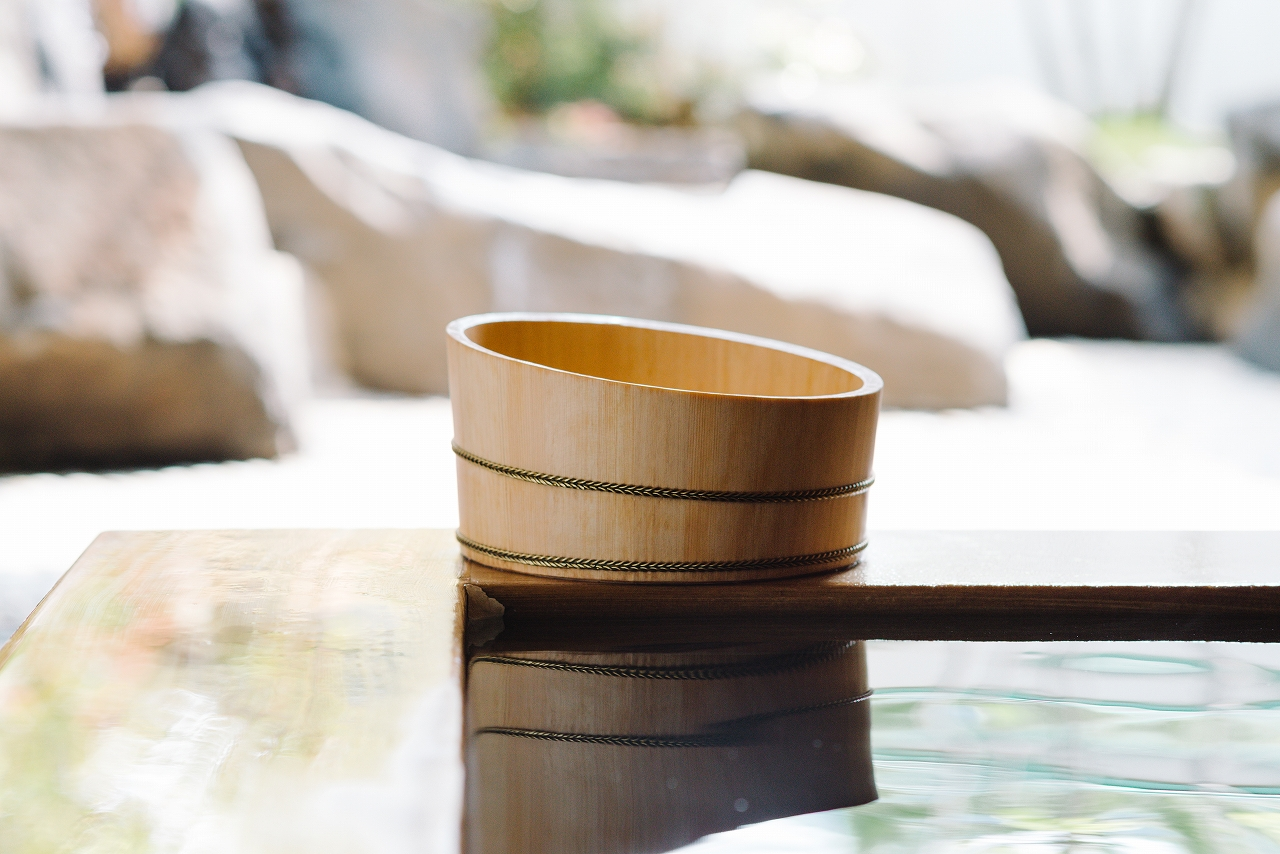 木曽の檜でつくった湯桶02s-