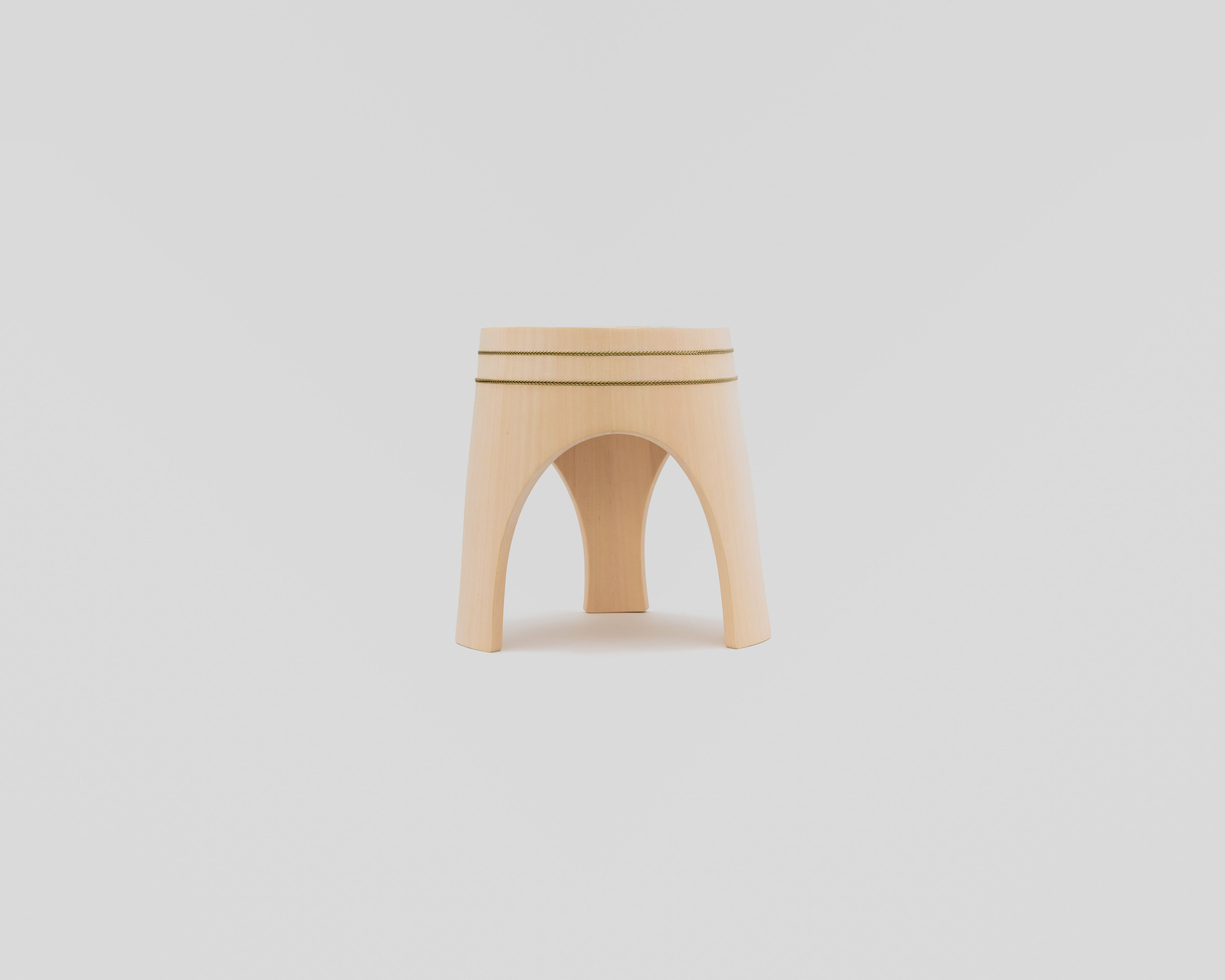 木曽の檜でつくったスツール03