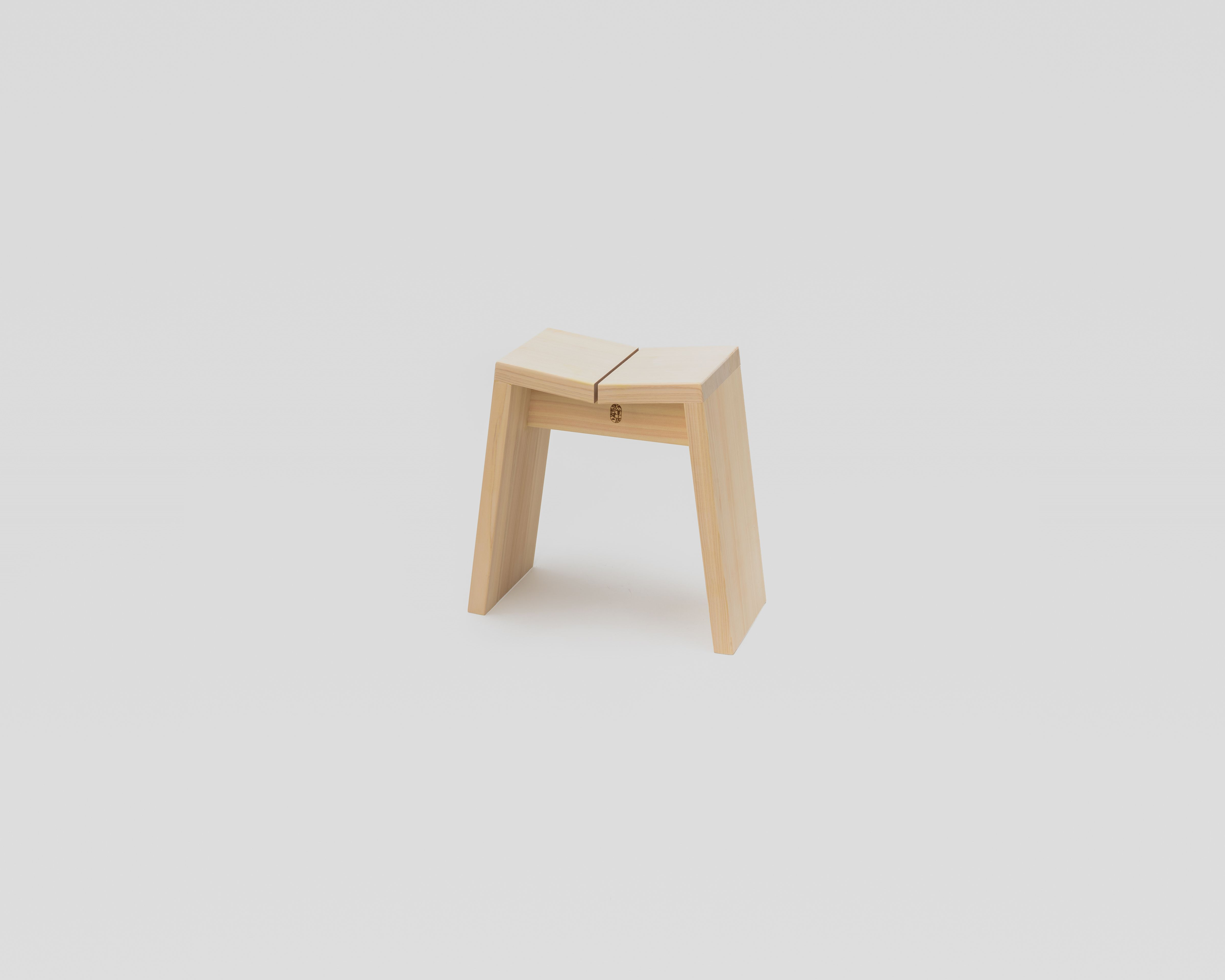 NEW木曽のヒノキでつくった風呂椅子04